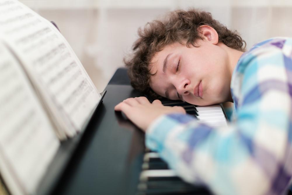 teaching boys piano